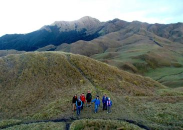 Mount Pulag Hiking Tour via Ambangeg Trail – 2 days